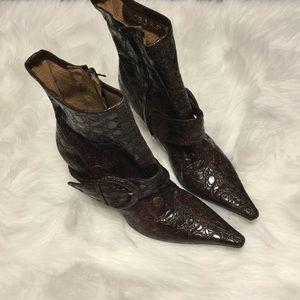 BCBGirls Shoes - BCBGirls Heeled Ankle Boot Big Buckle sz 9